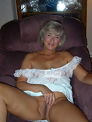 Grannies matures and milfs upskirt 117