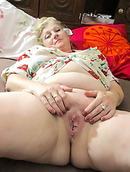 All-natural grandmothers like to take the cock in mouth very much